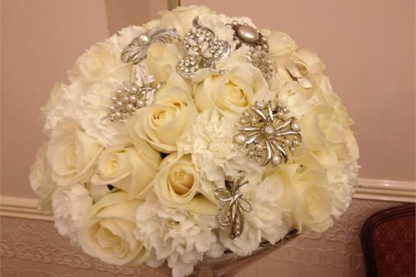 bling bouquet white
